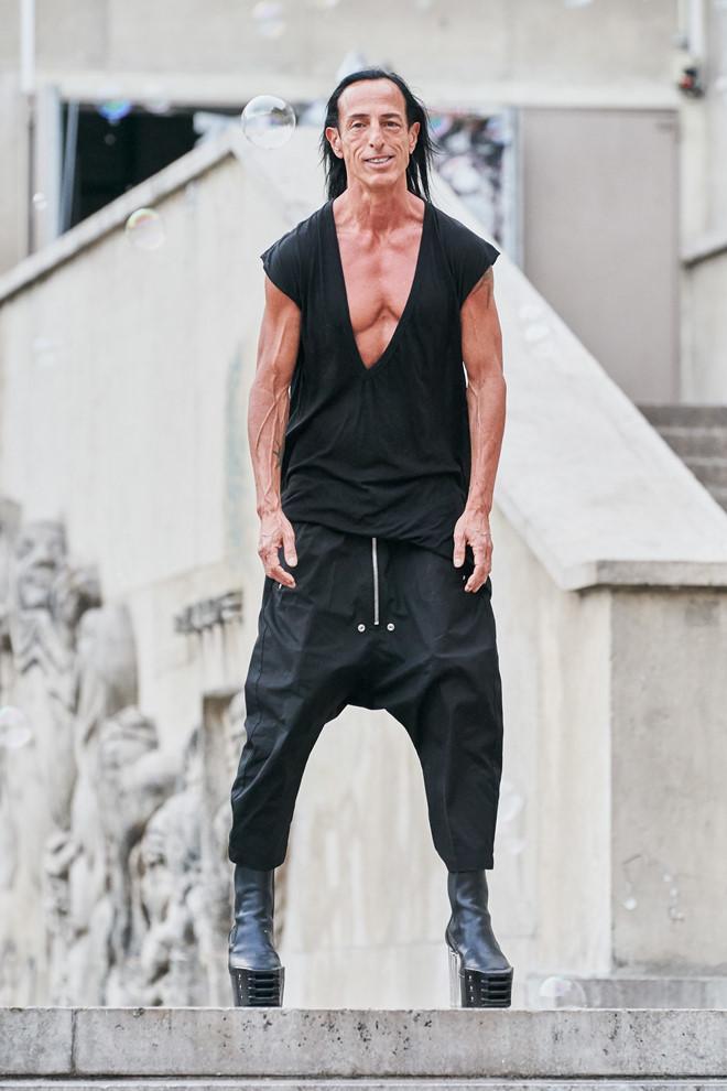 Rick Owens tiếp tục ra mắt thiết kế độc dị, ít ai dám mặc ra đường-7