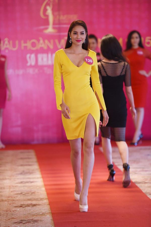 Đẹp nổi bật ngày tuyển sinh, HHen Niê - Phạm Hương - Tiểu Vy được khen thoáng nhìn đã ra hoa hậu-6