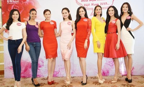 Đẹp nổi bật ngày tuyển sinh, HHen Niê - Phạm Hương - Tiểu Vy được khen thoáng nhìn đã ra hoa hậu-8