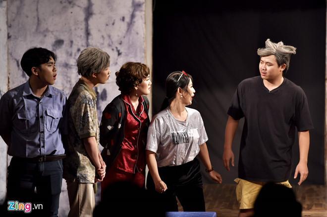 Nghệ sĩ Việt nghẹn ngào sau đêm diễn cuối của sân khấu kịch Hồng Vân-2