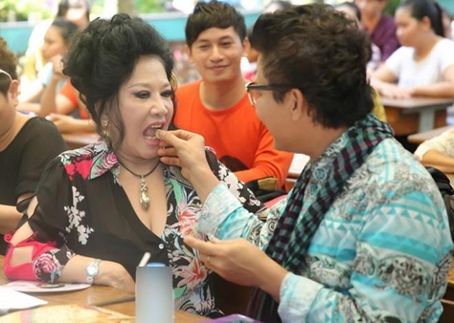 Chia tay nghệ sĩ Xuân Hương, MC Thanh Bạch tận hưởng cuộc sống như tiên, tràn ngập hạnh phúc bên vợ mới-3