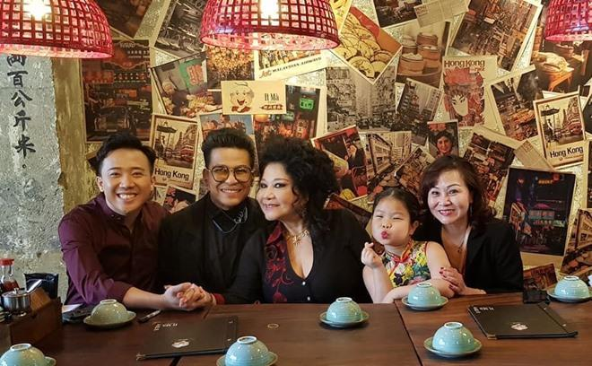 Chia tay nghệ sĩ Xuân Hương, MC Thanh Bạch tận hưởng cuộc sống như tiên, tràn ngập hạnh phúc bên vợ mới-4