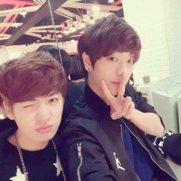 Hai nam ca sĩ Hàn Quốc bất chấp tất cả công khai tình yêu đồng tính-1