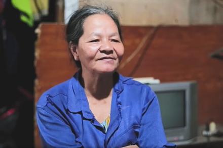 Người phụ nữ 40 năm vớt xác chết trôi trên sông Hồng