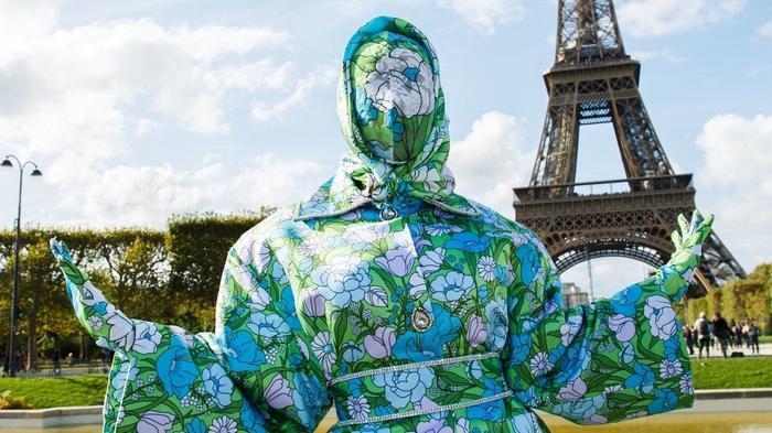 Cardi B gây sốc với trang phục kín mít như ninja tại tuần lễ thời trang Paris 2019-2
