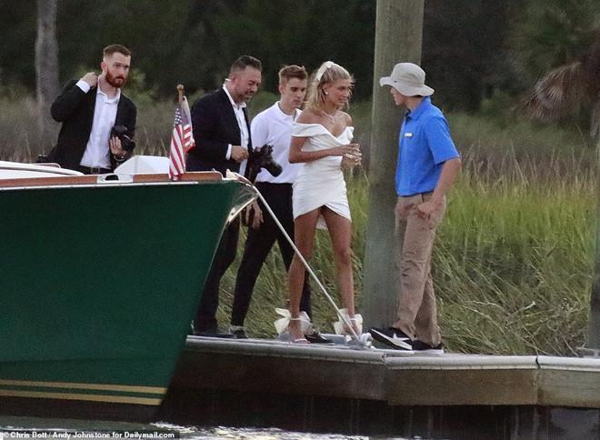 Justin Bieber và vợ xuất hiện, chuẩn bị làm lễ cưới-2