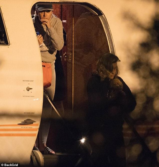 Justin Bieber và vợ xuất hiện, chuẩn bị làm lễ cưới-3