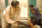 Những tình tiết vô lý đến hài hước ở phim Tiếng sét trong mưa-5