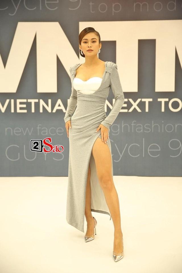 Mâu Thủy lại mém lộ hàng vì váy áo quá ngắn khi làm giám khảo Vietnams Next Top Model-5