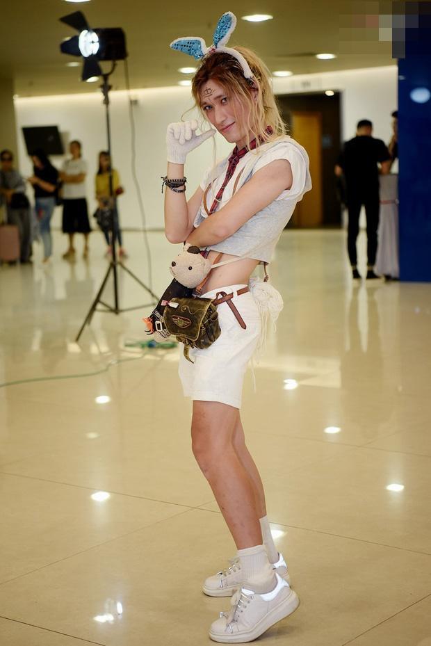 Thảm họa Thỏ Ngọc bất ngờ vào vòng 2 Vietnams Next Top Model sau màn catwalk có 1-0-2-1