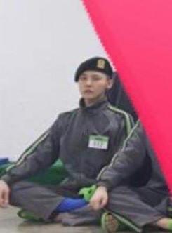 G-Dragon tăng cân, có ngấn cằm trước ngày xuất ngũ-3