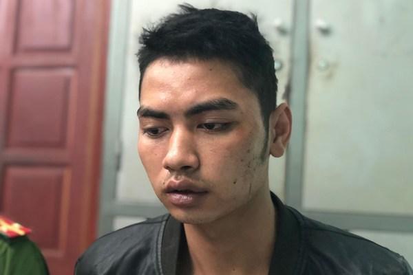 Hai nghi phạm giết tài xế Grabbike ung dung ngồi uống rượu khi bị bắt-2