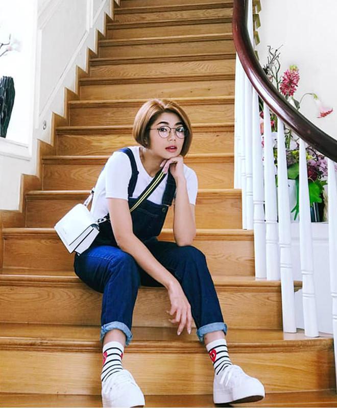Bí quyết phối đồ với quần jeans đẹp như Hà Tăng và dàn mỹ nhân Việt-9
