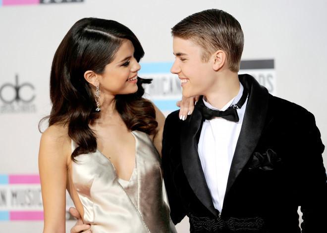 Selena Gomez phản ứng ra sao khi Justin Bieber lấy vợ?-1