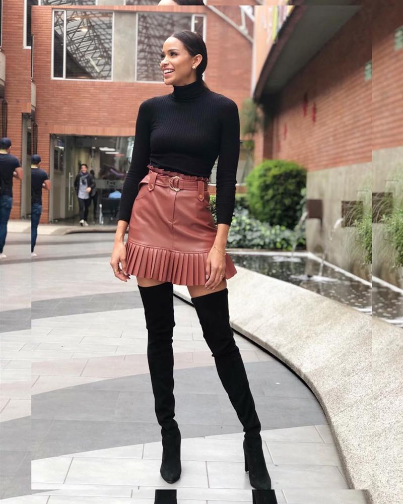 Bản tin Hoa hậu Hoàn vũ 1/10: Chị song sinh bất ngờ nổi loạn giật spotlight của HHen Niê-11