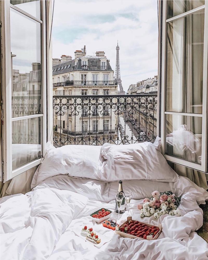 Khách sạn có ô cửa sang chảnh, nhìn thẳng tháp Eiffel-2
