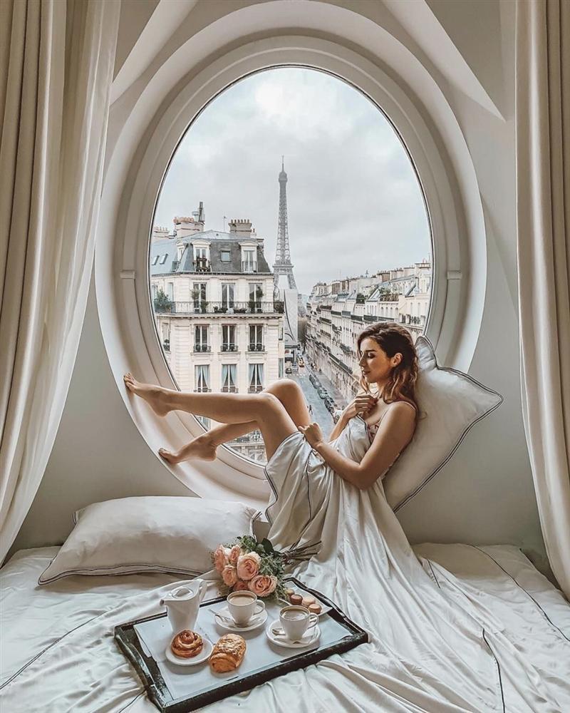 Khách sạn có ô cửa sang chảnh, nhìn thẳng tháp Eiffel-4