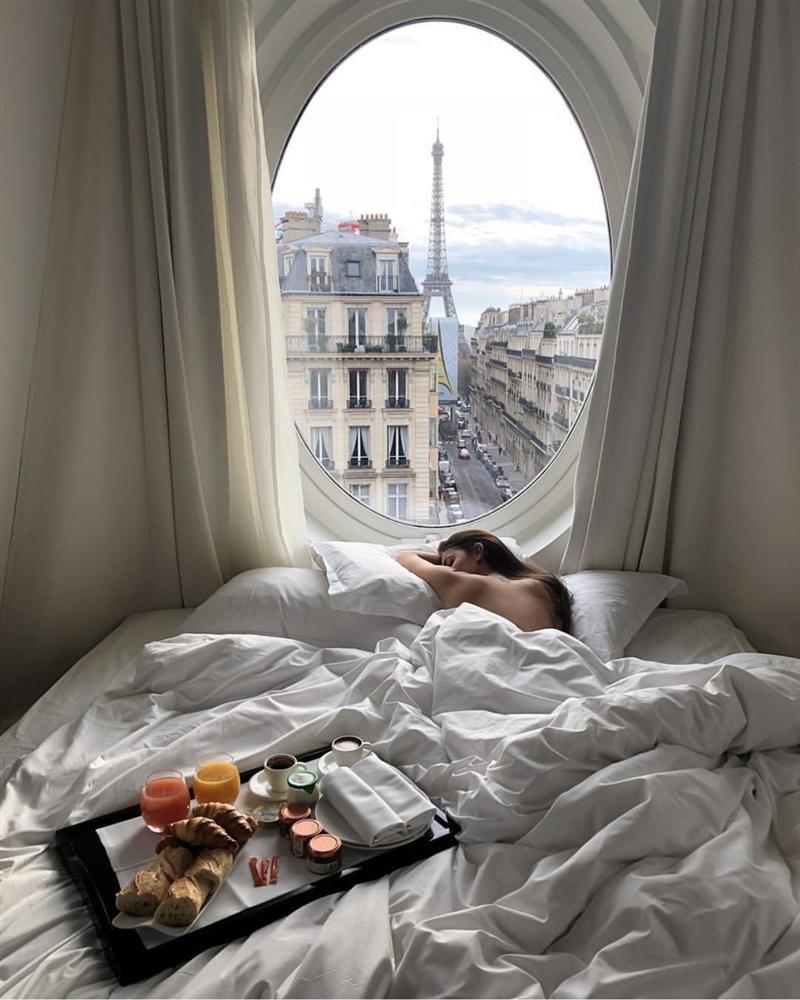 Khách sạn có ô cửa sang chảnh, nhìn thẳng tháp Eiffel-5