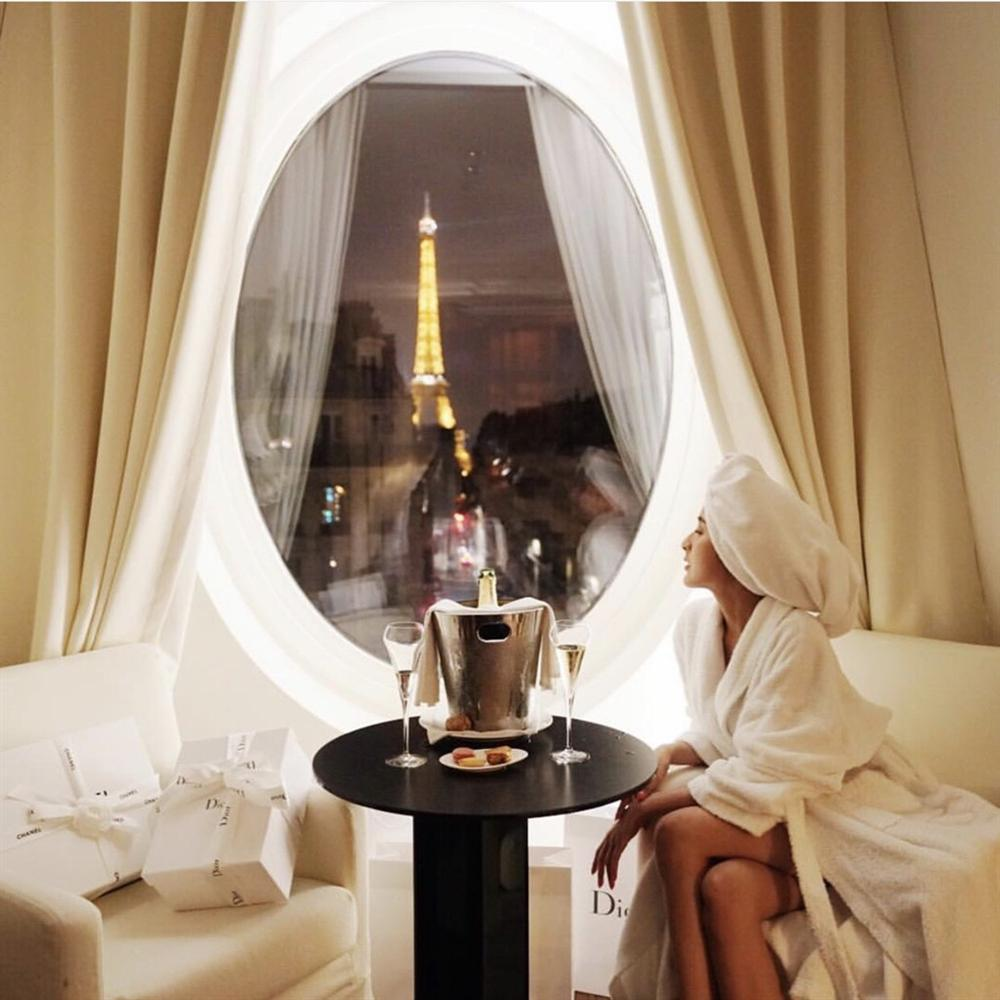 Khách sạn có ô cửa sang chảnh, nhìn thẳng tháp Eiffel-8