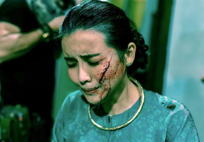 Cao Thái Hà bị rạch mặt, khán giả cả nước hả hê: Kẻ ác đã bị trừng phạt-1