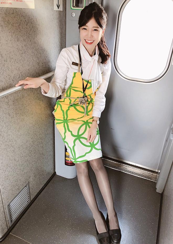 Nữ nhân viên ngành đường sắt Đài Loan bất ngờ nổi tiếng trên mạng-3