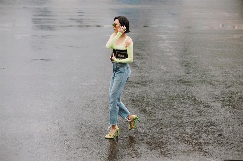 Diệu Nhi khoe street style ngày càng sành điệu ngỡ bản sao của Ngọc Trinh-1