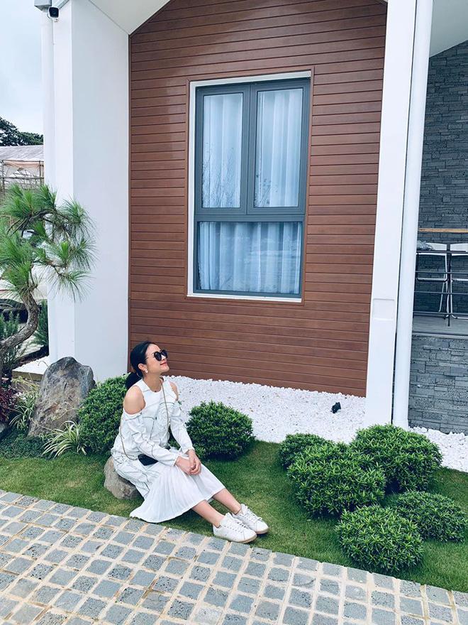 Sau 4 tháng kết hôn với người đàn ông quyền lực VTV, ngoại hình MC Phí Linh thay đổi chóng mặt-8