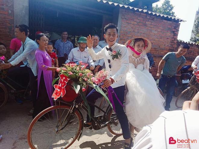 Đám cưới đẹp nhất thôn quê: Hàng chục trai làng hot boy đạp xe đến đón dâu làm ai cũng thích thú-5