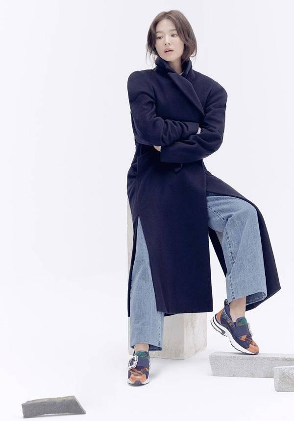 Lại xuất hiện trẻ xinh như gái 20, Song Hye Kyo sau ly hôn như ngày một nhuận sắc-4