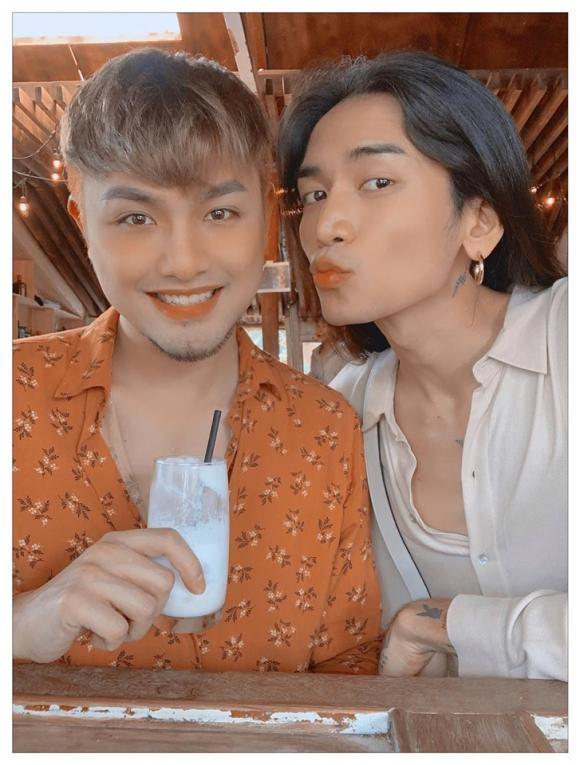Kỉ niệm 6 năm gắn bó, BB Trần và người yêu đồng giới gây xôn xao bằng bức ảnh cởi trần nóng rẫy mắt-3
