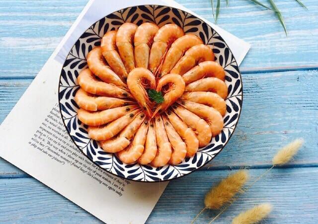 Hấp tôm thêm một thứ quen thuộc đảm bảo thơm ngon, thịt mềm, ăn không sót con nào-10
