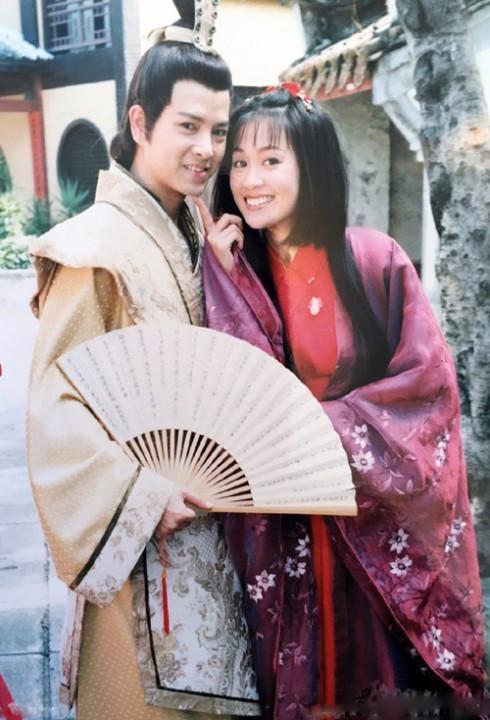 Chúc Anh Đài Lương Tiểu Băng: Hôn nhân viên mãn bên chồng bất tài, không tránh khỏi xuống sắc ở tuổi 50 vì lý do xót xa-3