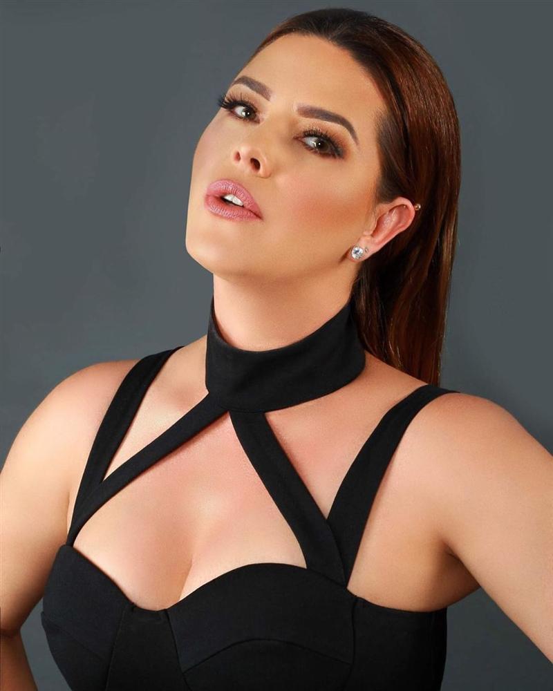 Bản tin Hoa hậu Hoàn vũ 3/10: Áo dài phá cách của HHen Niê nhường sóng cho áo phông đậm tình mẫu tử-4