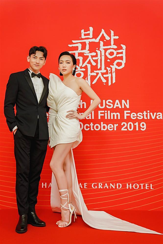 Isaac và Diệu Nhi thay đồ, makeup tại sân bay để kịp dự thảm đỏ LHP Busan-4