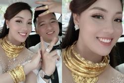 2 ngày sau đám cưới, nữ giảng viên xinh đẹp khoe ảnh vàng dát quanh người