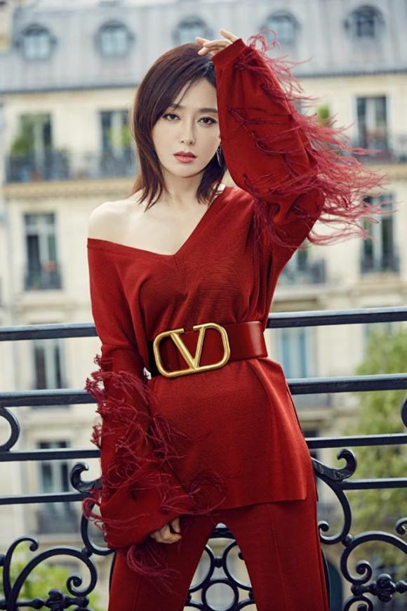 THỜI TRANG THẢM ĐỎ: Diện set đồ basic nhưng Sam vẫn tạo nét lấn át dàn Hoa hậu nhờ món phụ kiện siêu độc-13