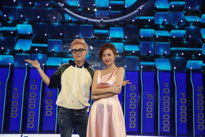 Đầm lụa tai hại khiến Midu gặp sự cố kém duyên y chang Park Min Young-1