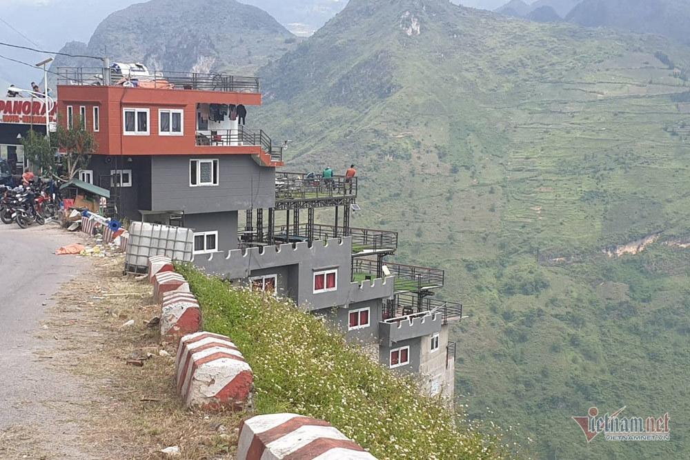 Nhổ gai bê tông 7 tầng nghênh ngang trên đỉnh Mã Pì Lèng-3