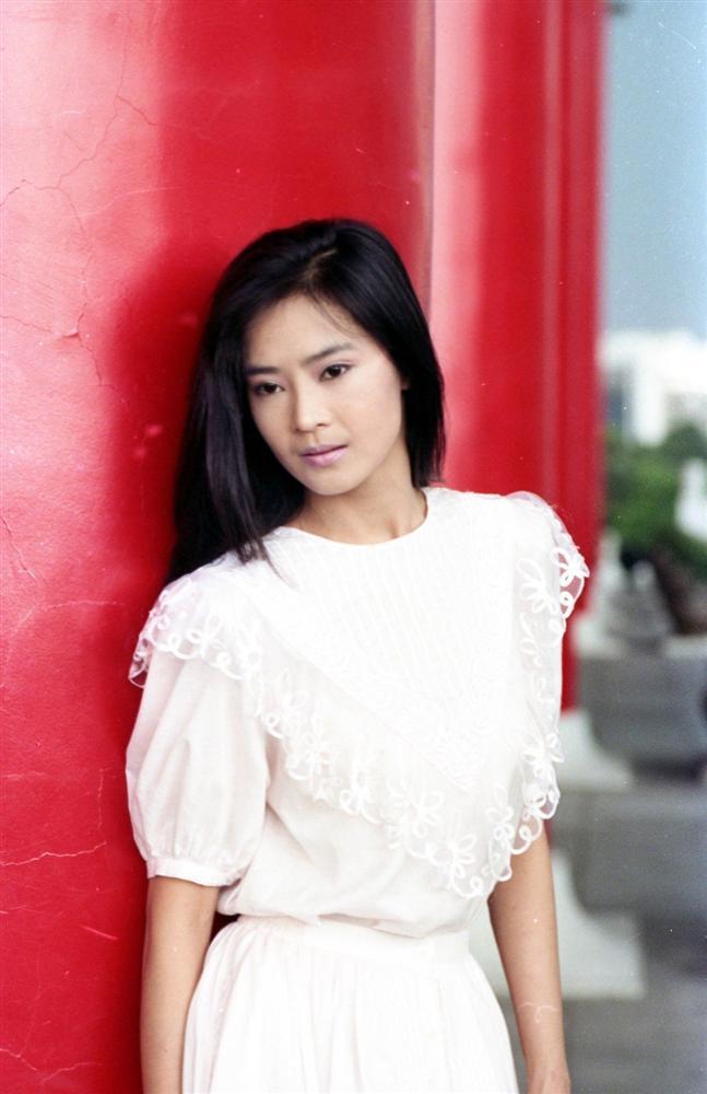 Mỹ nhân phim Quỳnh Dao cam chịu để chồng cắm sừng 10 năm, nhẹ dạ cả tin bị lừa gần 30 tỷ đồng-1