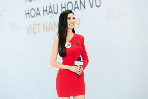Là thí sinh nhưng xuất hiện như celeb, Thúy Vân lập tức bị nhắc nhở tại Hoa hậu Hoàn vũ Việt Nam 2019-3