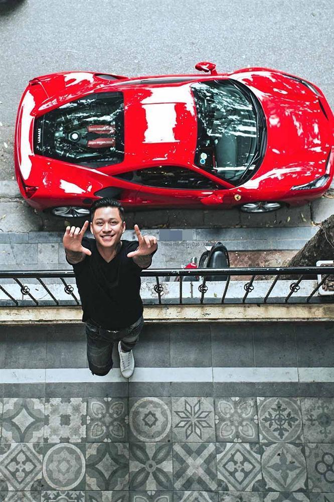 Đặng Văn Lâm sướng rơn khi được ngồi siêu xe 16 tỷ của Tuấn Hưng vì lý do đặc biệt-2