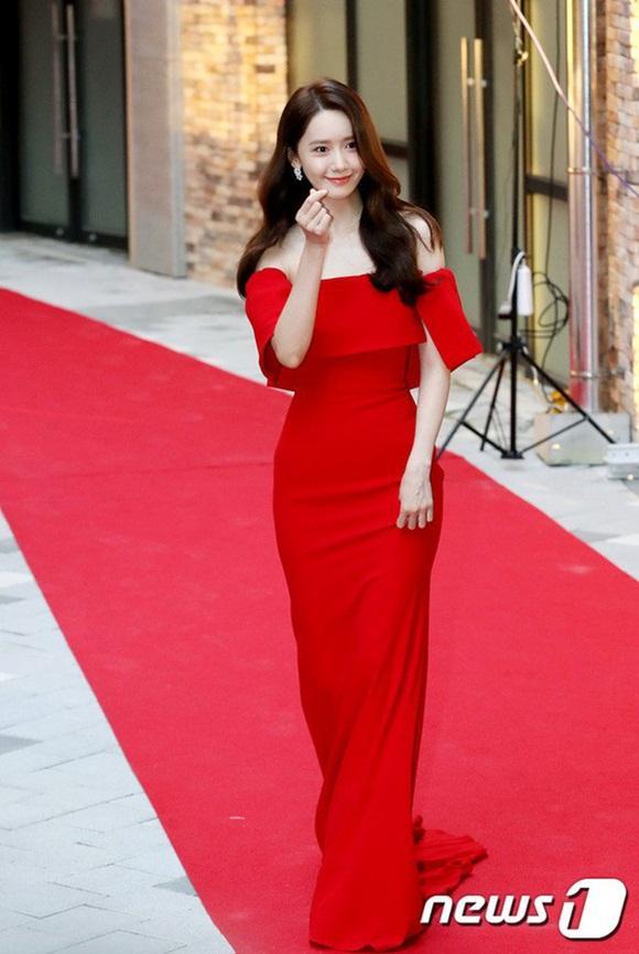 Nhan sắc đẹp tựa nữ thần của Yoona không hề thay đổi sau 12 năm hoạt động Kbiz-5