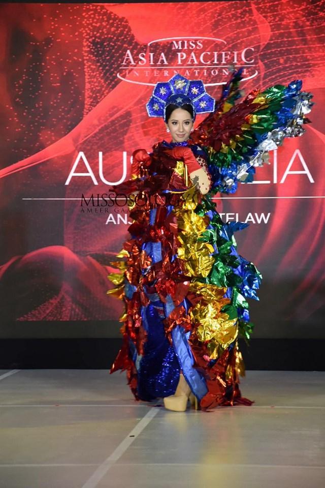 Quốc phục của Thu Hiền bị chê không liên quan, trắng tay tại Hoa hậu Châu Á Thái Bình Dương 2019-9