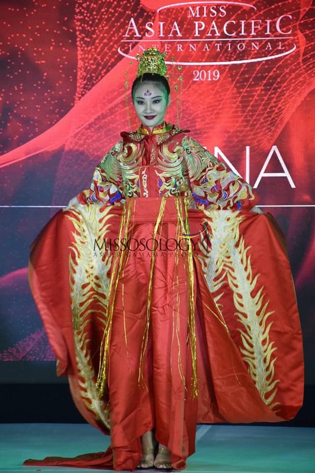 Quốc phục của Thu Hiền bị chê không liên quan, trắng tay tại Hoa hậu Châu Á Thái Bình Dương 2019-10