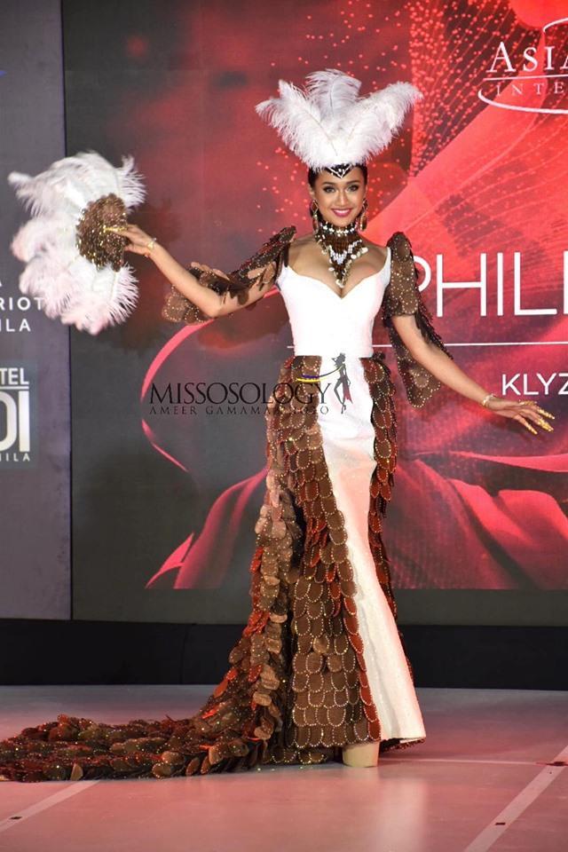 Quốc phục của Thu Hiền bị chê không liên quan, trắng tay tại Hoa hậu Châu Á Thái Bình Dương 2019-12