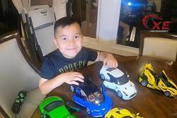 Cậu bé 6 tuổi người Việt 'review' siêu xe gây sốt