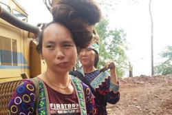 Chuyện lạ ở Lai Châu: Người phụ nữ 5 năm không gội đầu