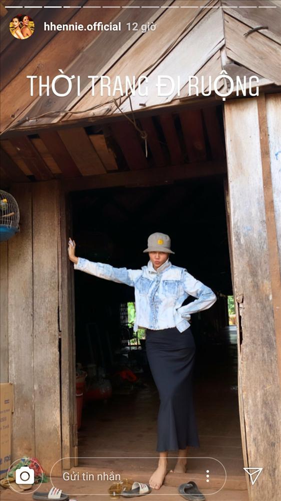 Hái rau - gặt lúa - bắt cua đồng, HHen Niê được phong hoa hậu có một không hai trên quả đất-1