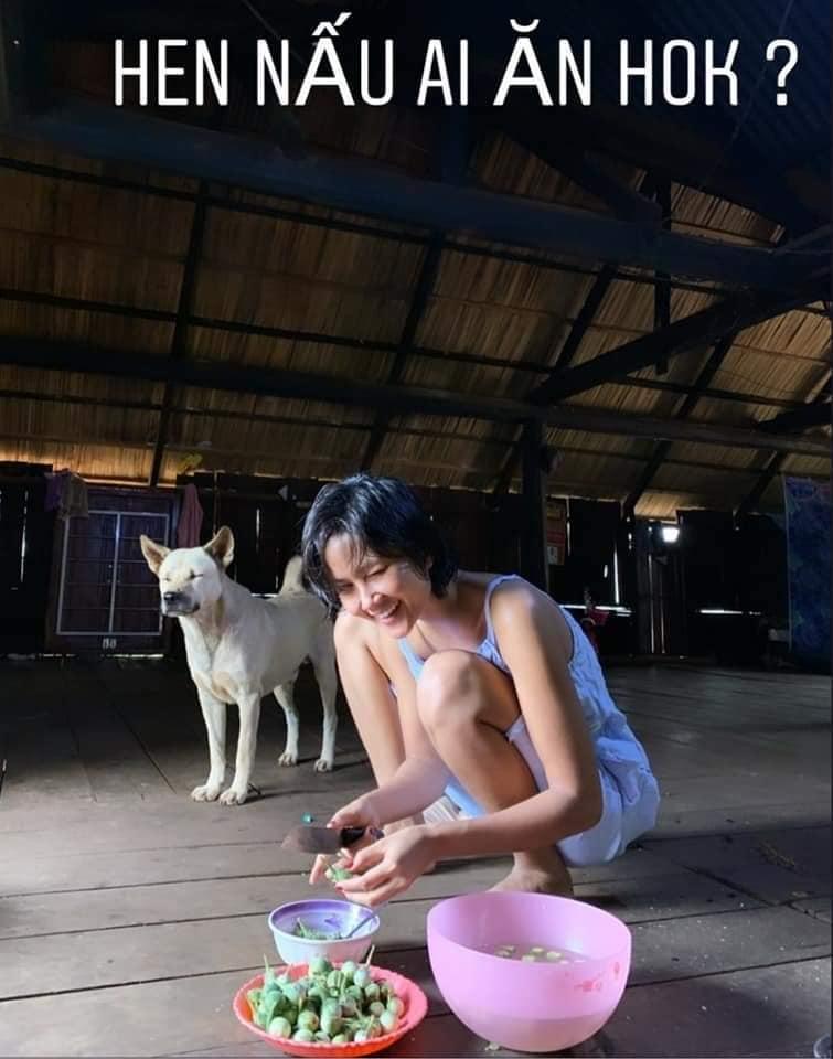 Hái rau - gặt lúa - bắt cua đồng, HHen Niê được phong hoa hậu có một không hai trên quả đất-10