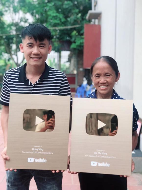 Cậu con trai nổi tiếng của bà Tân Vlog bị dân mạng kêu gọi tẩy chay khi làm video ăn thịt chó-1